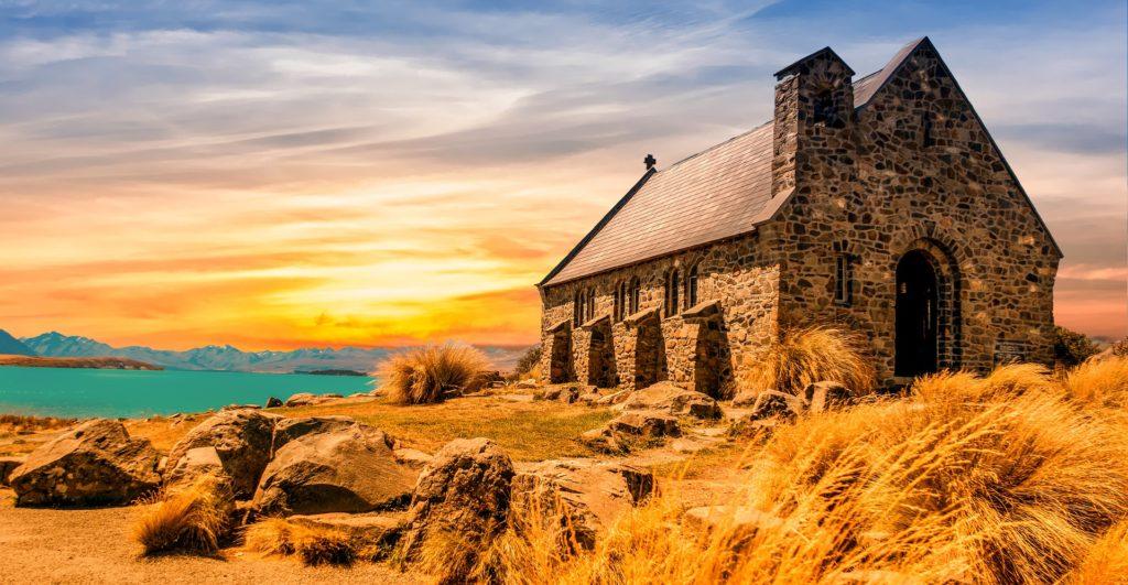 荒野の上の石造りの家