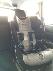 アメリカの車のチャイルドシート