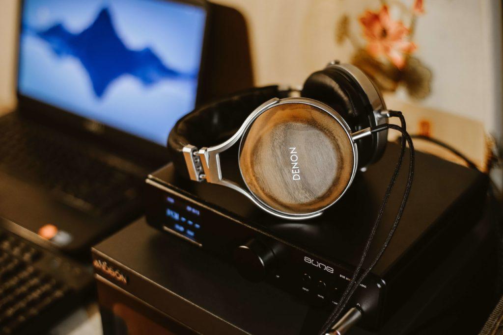 趣味の音楽を聴きながら独学する